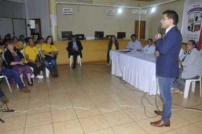 Roque Godoy presenta rendición de cuentas y ciudadanos exigen informe pormenorizado