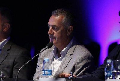 Alfaro pide revisar castigos a clubes