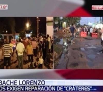 Vecinos exigen reparación de cráteres en calles de San Lorenzo