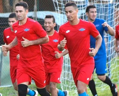 Independiente hace su debut internacional