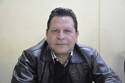 """Concejal de Brizuela prohíbe tomar fotografías en sesión de la Junta y es acusado de """"dictador"""""""