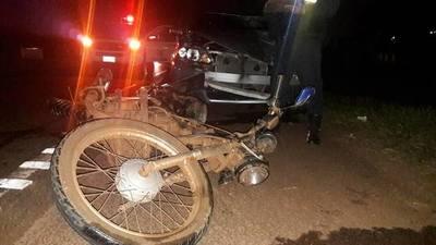 Joven motociclista pierde la vida en percance vial