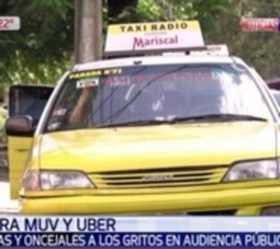 Taxistas a los gritos en contra de MUV y Uber en audiencia pública