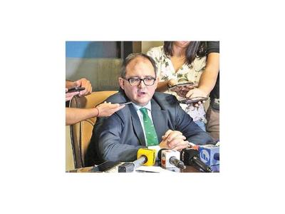 Abogado de Zacarías Irún dice que no deben tolerarse actos irregulares