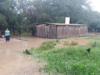 Las lluvias constantes agravan  el aislamiento en el Alto Paraguay