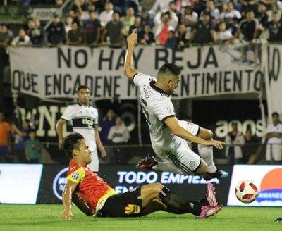 Deportivo Santaní puso en apuros al Decano