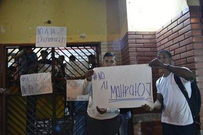 Estudiantes levantan toma en colegio de Lambaré