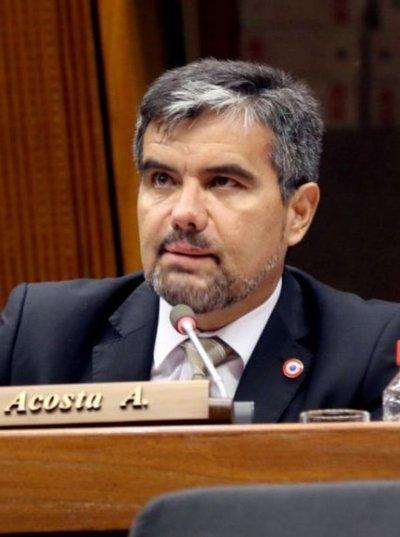Diputado Acosta plantea eliminar el club de los amigos de escribanos