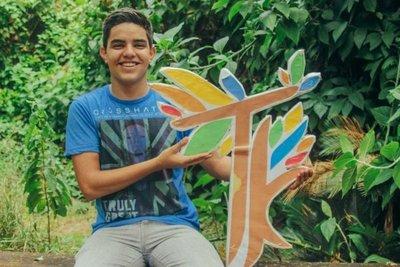 Sin depender del frío o el calor, un joven cultiva su pasión por el voluntariado