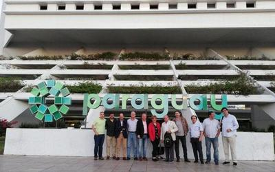Arribaron los periodistas espaí±oles que conocerán sitios turísticos de Paraguay