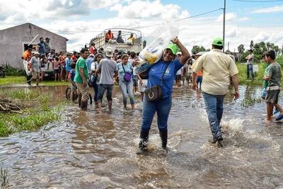 Unas 7.100 familias ya fueron asistidas en todo el país tras inundaciones