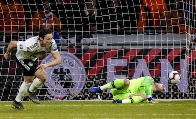 HOY / Alemania vence a Holanda en el último minuto con un gol de Schulz