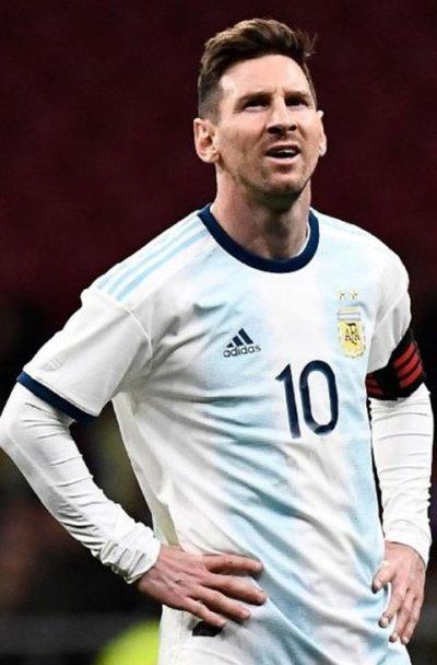 Piden explicación por la ausencia de Messi