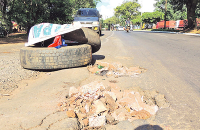 Trabajos de bacheos no prosperan y el drama perjudica a conductores
