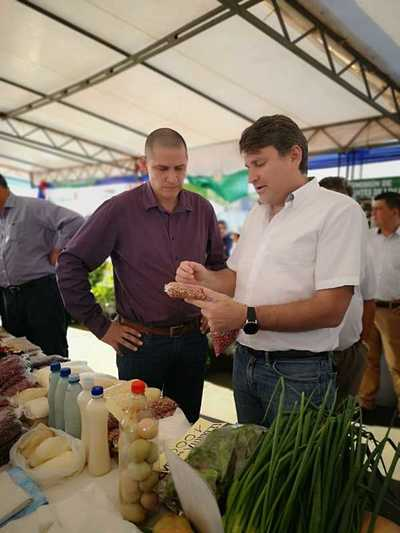 Gobierno pretende reestructurar créditos a productores