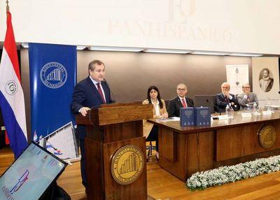 Presidente de la Corte participa del lanzamiento de obra
