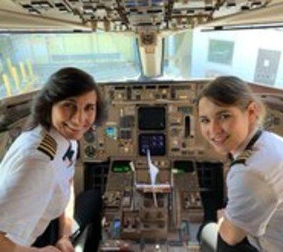 Una familia de alto vuelo se hace viral en las redes
