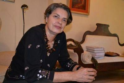 Escritores se solidarizan con Milda Rivarola luego de ataque a su vivienda