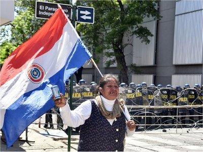 Nativos de Tacuara'i suman fuerza en reclamo de tierras