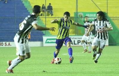 Capiatá da vuelta el marcador ante Deportivo Santaní