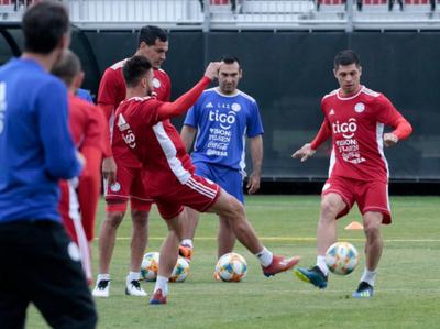Paraguay tendrá nueve cambios para jugar ante México