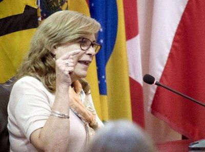 Rechazan recusación de Cristina Arrom a una jueza