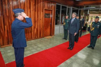 Presidente inicia agenda en Comando en Jefe y luego se trasladará al Palacio de Gobierno