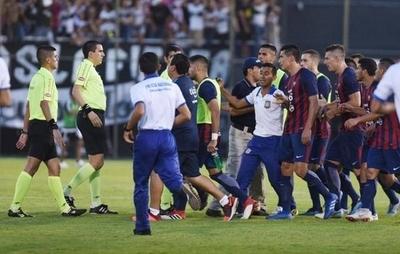 HOY / Pedidos de Cerro para investigar a árbitros y contra jueces pro Olimpia: APF se lava las manos