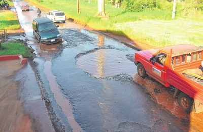 Denuncian pésimo estado de avenidas en el Km 7
