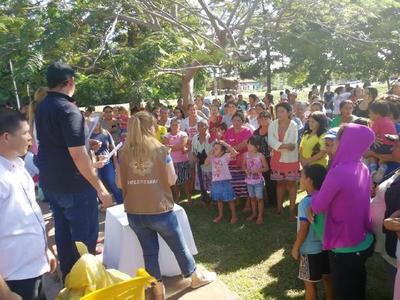 """""""Paraguay Solidario"""" entrega víveres a familias afectadas por las inundaciones"""