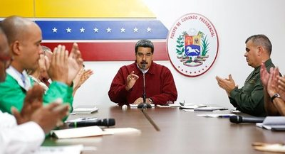 """""""Quieren volver loco al pueblo"""" con los ataques al sistema eléctrico, dice Maduro"""