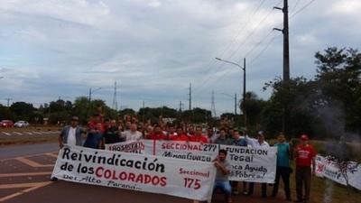 Colorados exigen cargos en Itaipú