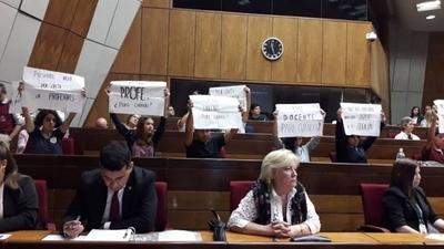 Estudiantes protestan durante discurso de Petta: ¿Se viene otra masiva toma de colegios?