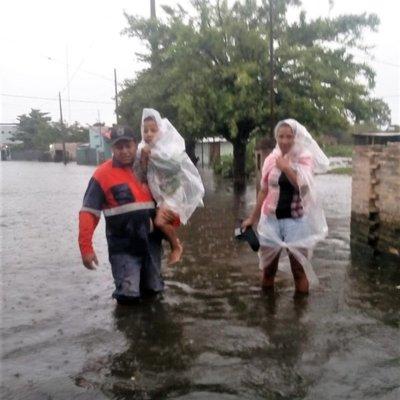 SEN reporta 2.100 familias afectadas por inundaciones solo en Asunción