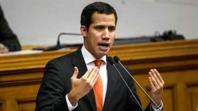 Ordenan quitarle inmunidad parlamentaria a Juan Guaidó