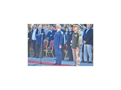 Tabaré destituye a ministro de Defensa y al jefe del Ejército