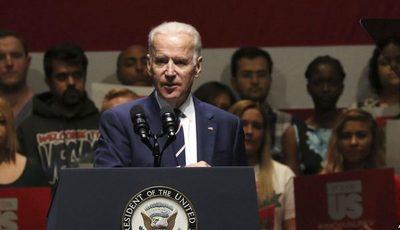 Segunda mujer acusa a Joe Biden de tocarla inapropiadamente