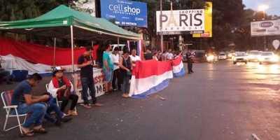 Escasa participación de manifestantes en el microcentro de CDE