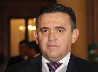 Sindicatos de Directores solicitan interpelación de Eduardo Petta