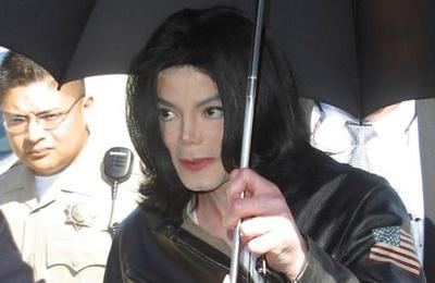 Biógrafo de Michael Jackson desmiente a supuesta víctima del cantante