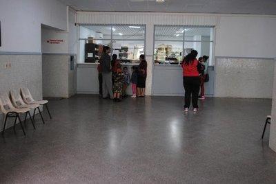 Quejas por falta de reactivos en Hospital de Ayolas