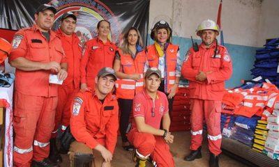 Entregan aporte a bomberos voluntarios de Ciudad Nueva