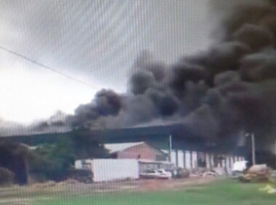 Incendio en el frigorífico Chorti de Loma Plata