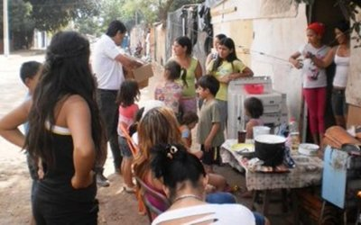Habilitan clínicas móviles para asistir a familias damnificadas