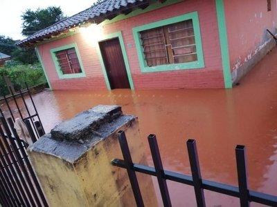 Piden ayuda para Villa del Rosario y General Aquino por inundación