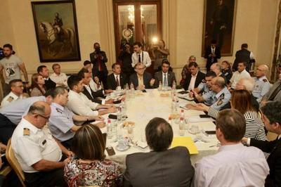 Ejecutivo y Central articulan acciones para proseguir con asistencia a damnificados