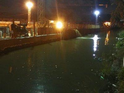 Obras de futuras sedes ministeriales, inundadas ante crecida