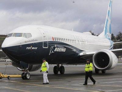 Boeing reducirá producción del 737 MAX tras accidentes letales