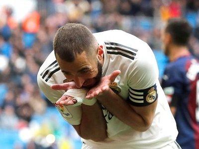 Benzema rescata el orgullo