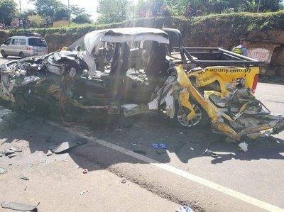 Choque fatal entre bus de la Ovetense y un vehículo